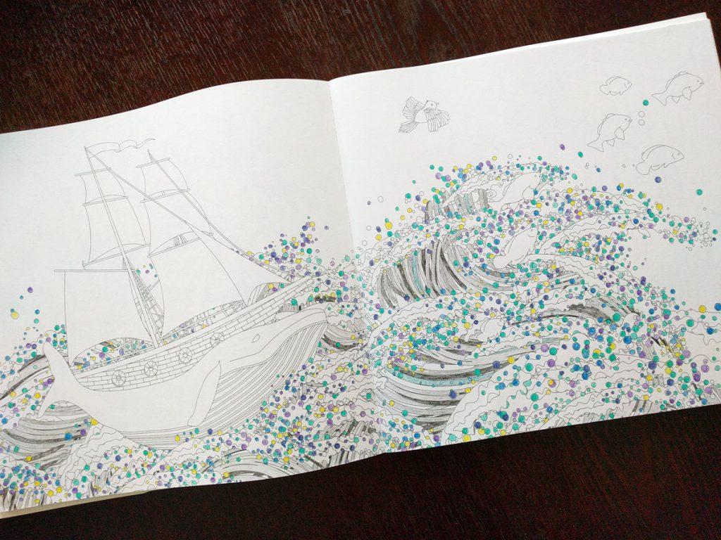 奇跡の鳥の旅 ぬり絵BOOK_鯨